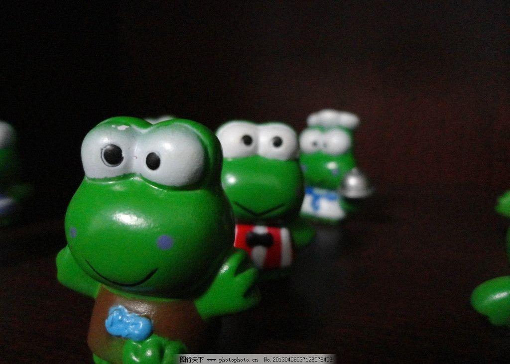 绿豆蛙 可爱 小衣服 大眼睛 蛙 娱乐休闲 生活百科 摄影 72dpi jpg