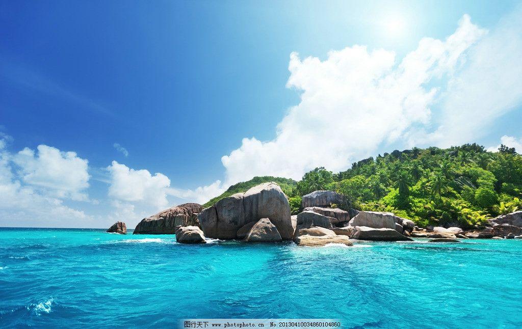 海岛风光 海洋 水 岛 陆地 蓝色海洋 岛屿 海水 绿色植物 植被 绿化 美丽大自然 大自然风光 小岛 深蓝 蓝天 白云 海岛 海岸 度假 海边 大海 蔚蓝 风景 美景 海滩 沙滩 海浪 海潮 绿洲 清澈 碧海蓝天 自然景观 自然风景 摄影 300DPI JPG 自然风景系列