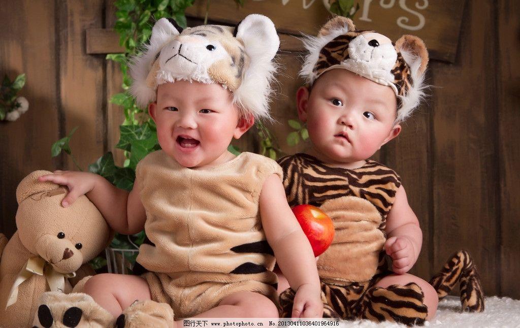 双胞胎可爱男宝宝图片