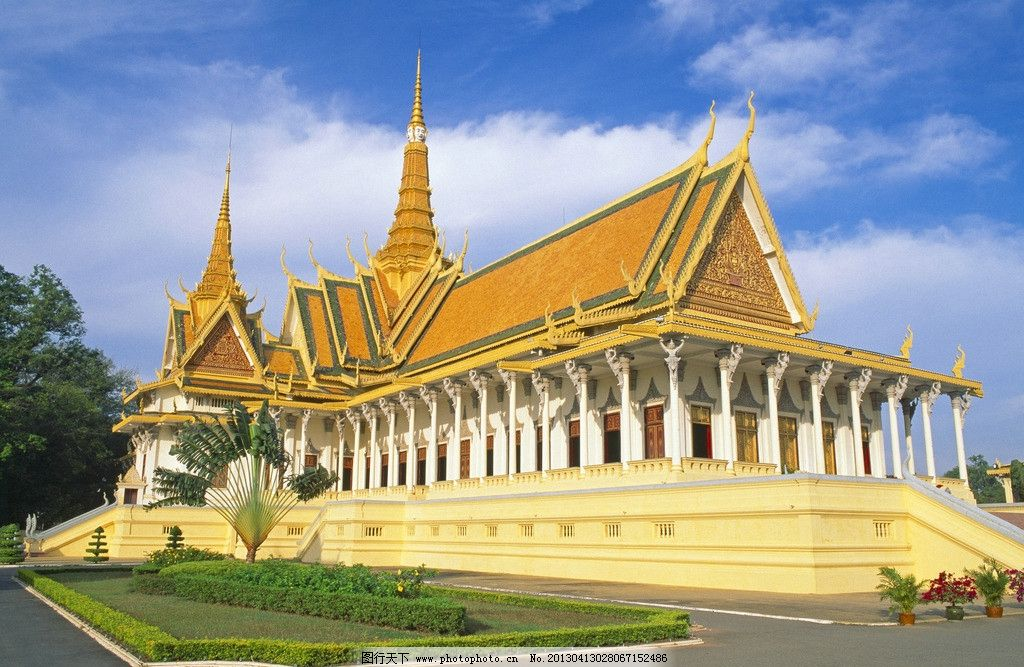 柬埔寨皇宫 柬埔寨 皇宫 金边 宫殿 天空 蓝色 建筑设计 环境设计