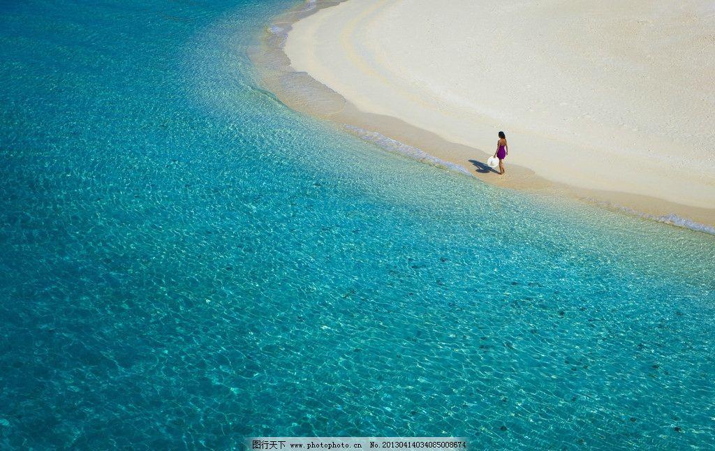 青岛大海游泳图片