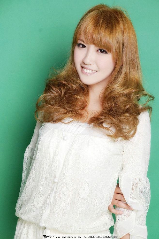 美发 发型 中发 卷发 黄头发时尚发型 韩式发型 新潮发型 人物摄影图片