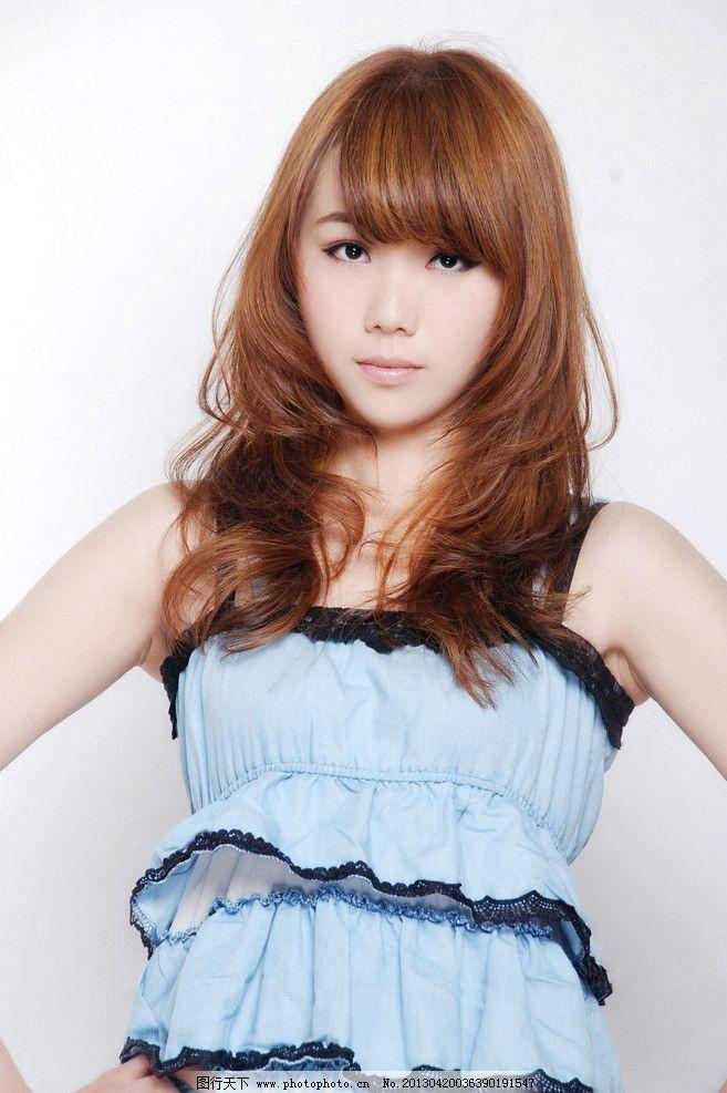 美发 发型 中发 卷发 黄头发 时尚发型 韩式发型 新潮发型 美女 人物