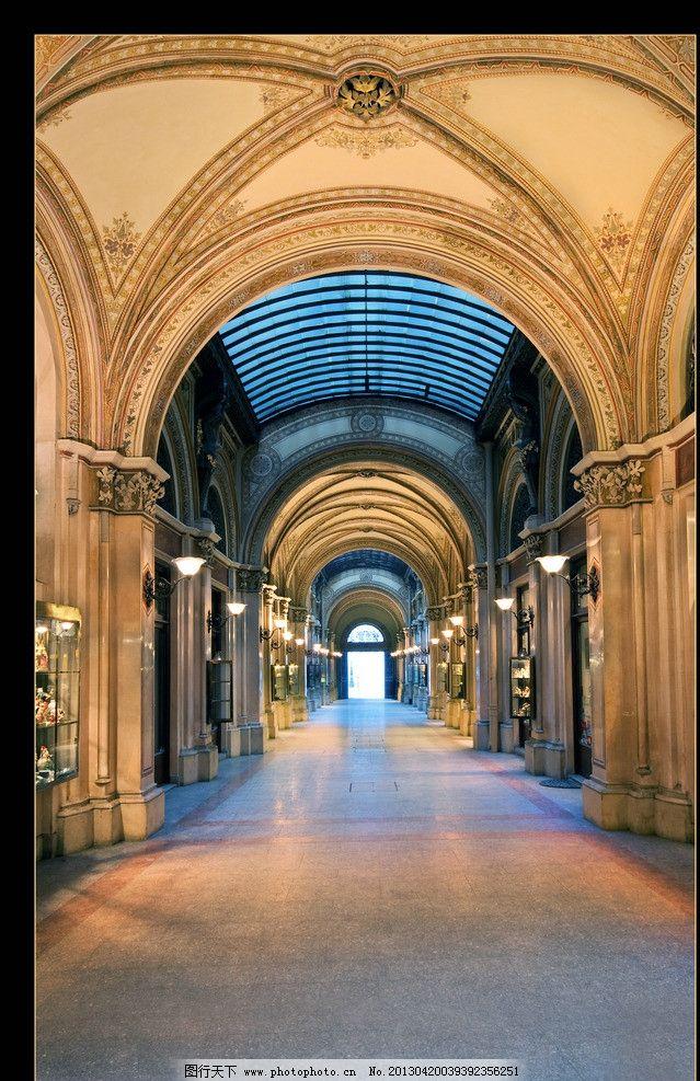 欧式大堂 欧式 大堂 吊顶 金色 玻璃 哥特式 教堂 气派 高大 房地产