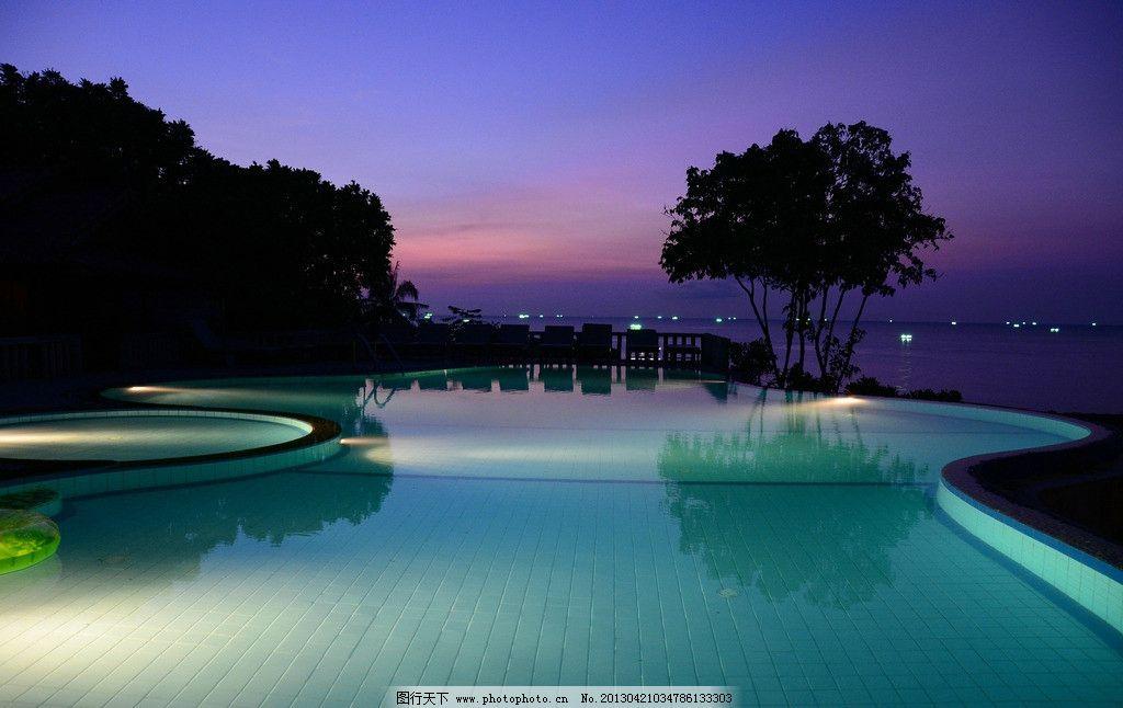 度假村夜晚风景 度假村 休闲 自然风景 游泳池 蓝天 建筑景观 自然