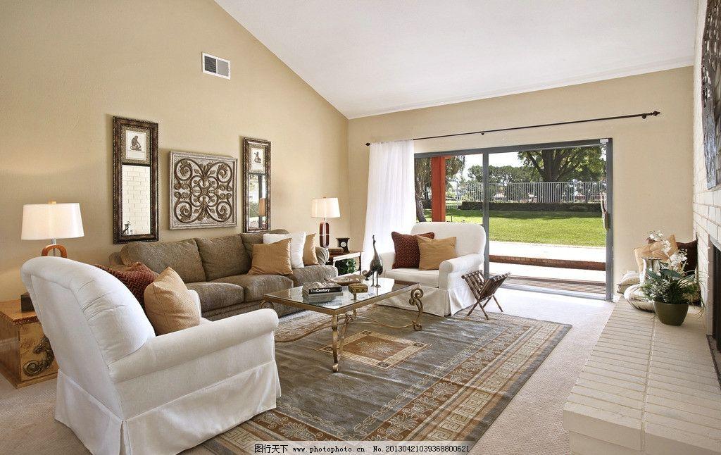 欧美客厅 北欧风格 美式 装修 大厅 真皮沙发 吊顶 书架 木地板图片