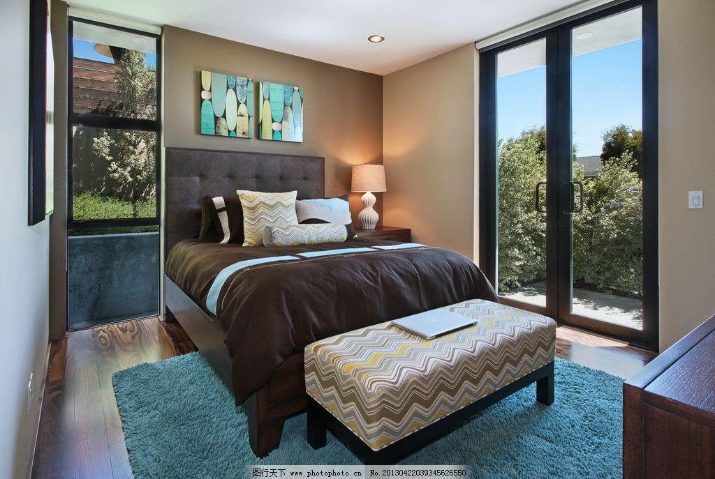 别墅卧室 北欧风格 美式 装修      棉被 大床 台灯 书房 欧式 靠垫