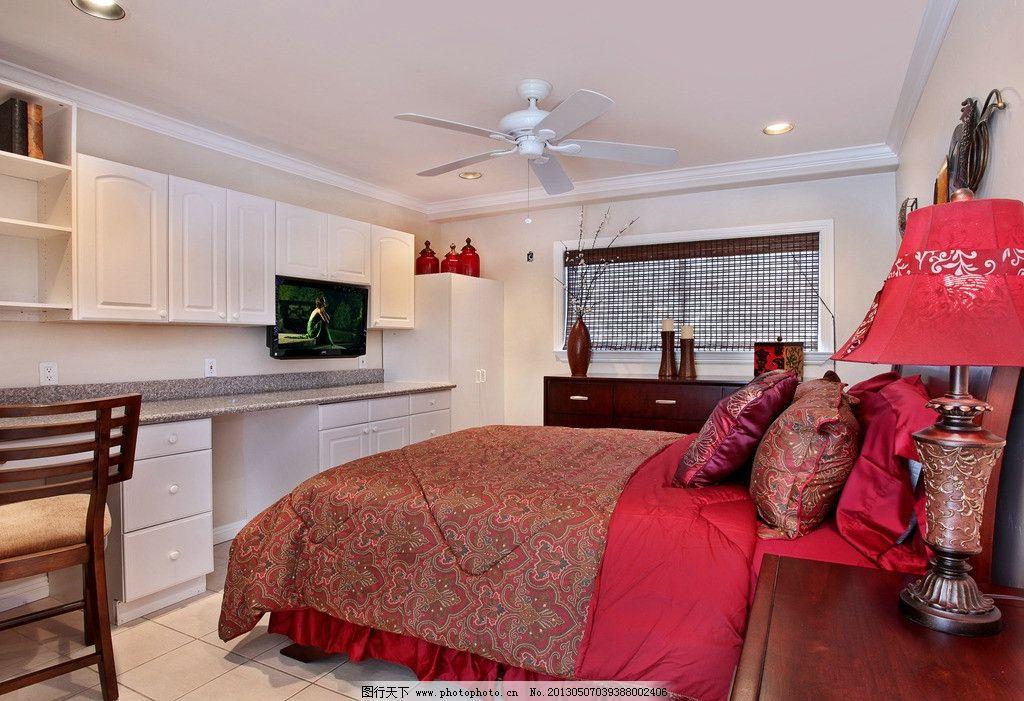 卧室 大红床 别墅室内实景图