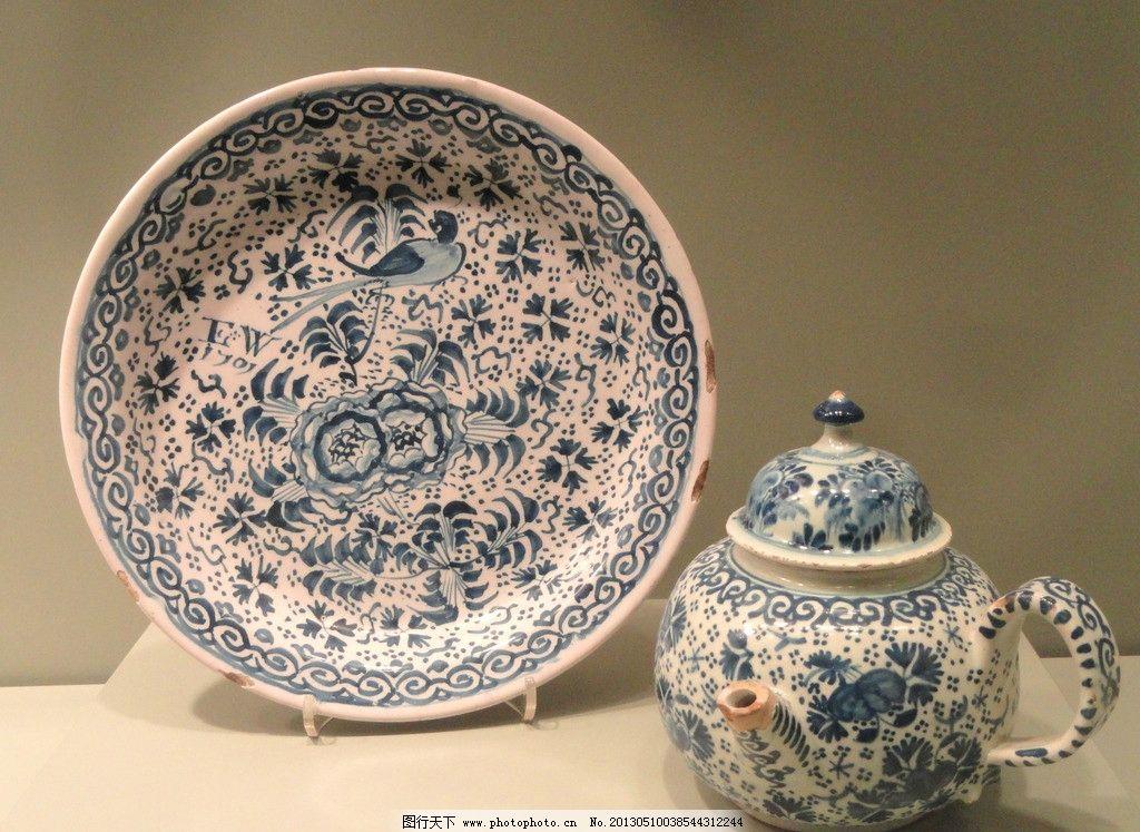 青花瓷 瓷器 陶瓷 彩绘 绘画 工艺品 盘子 碗碟 传统文化 文化艺术