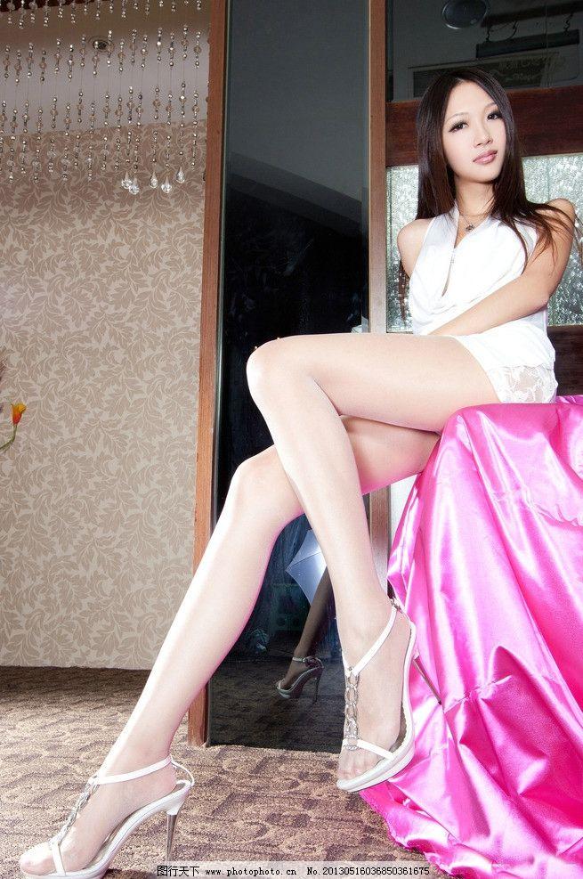 美女 服装 服饰 服装广告 服饰广告 人物摄影 写真 丝袜 黑色 袜子 连