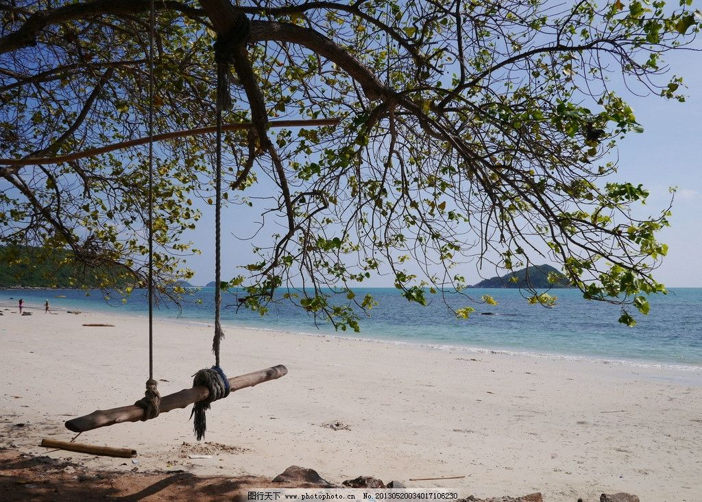 巴厘岛海边秋千