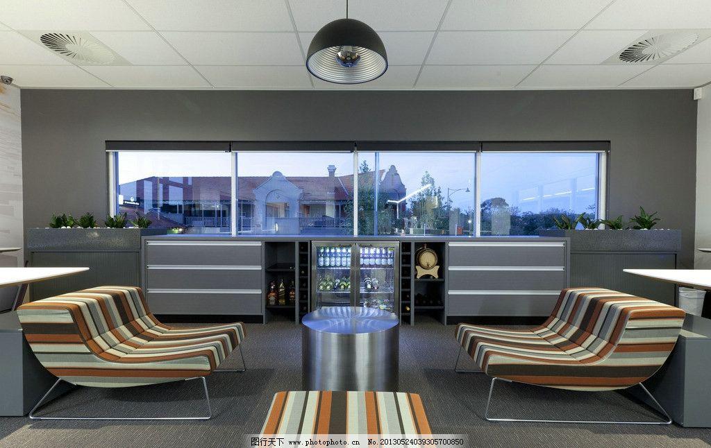 室内装饰 沙发 会议室 休息室 酒柜 沙龙 房间 条纹沙发 酒桶