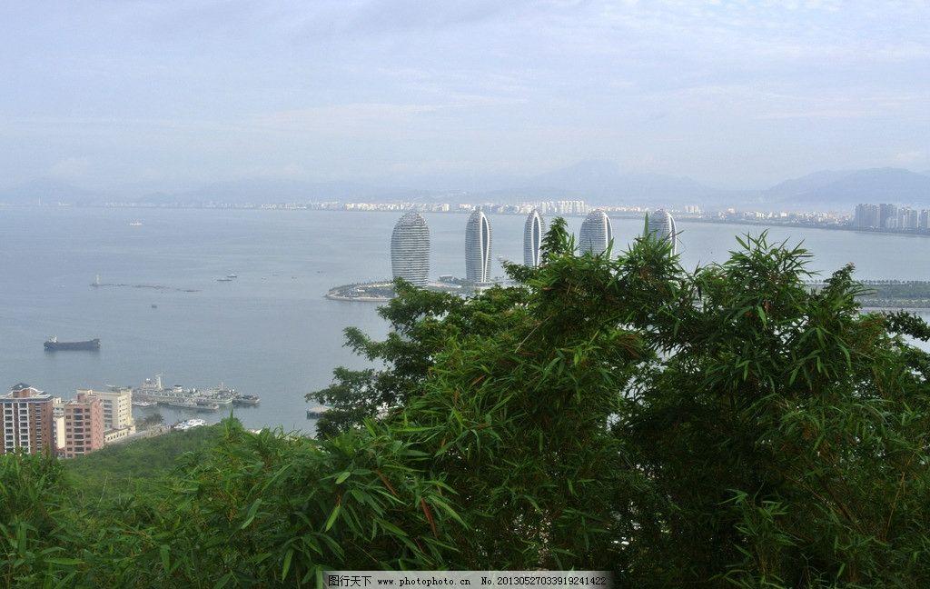 三亚 城市 岛屿 建筑 天空 白云 蓝天 俯瞰 山顶 鹿回头景区 树木