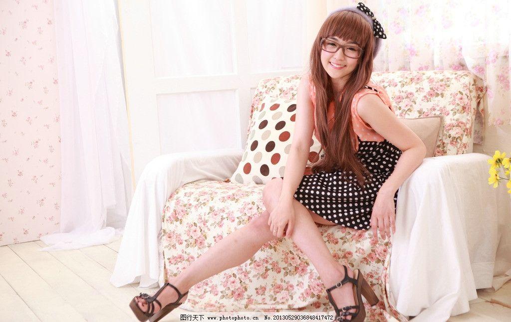 可爱眼镜妹 气质美女 清纯美女
