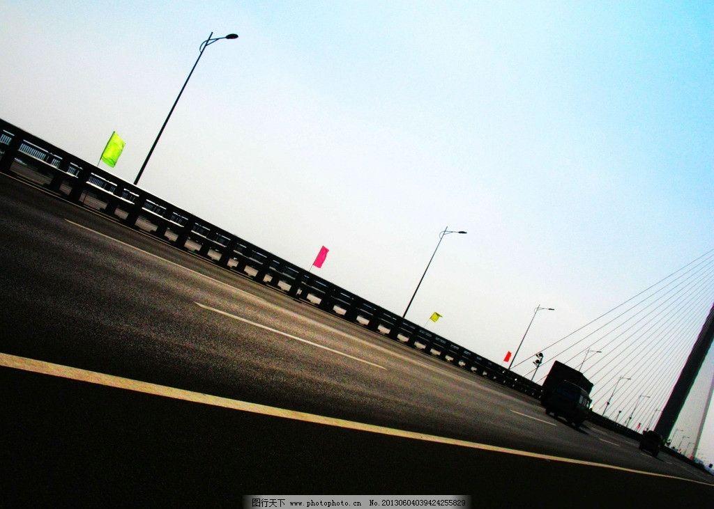 大桥 车 桥 路灯 天空