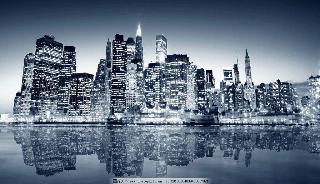 手绘动漫纽约街景线稿