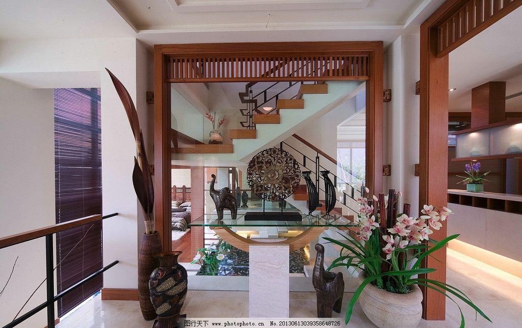 小厅 现代中式 现代简约 铁艺护栏 盆栽 各式装饰品 红木柱子