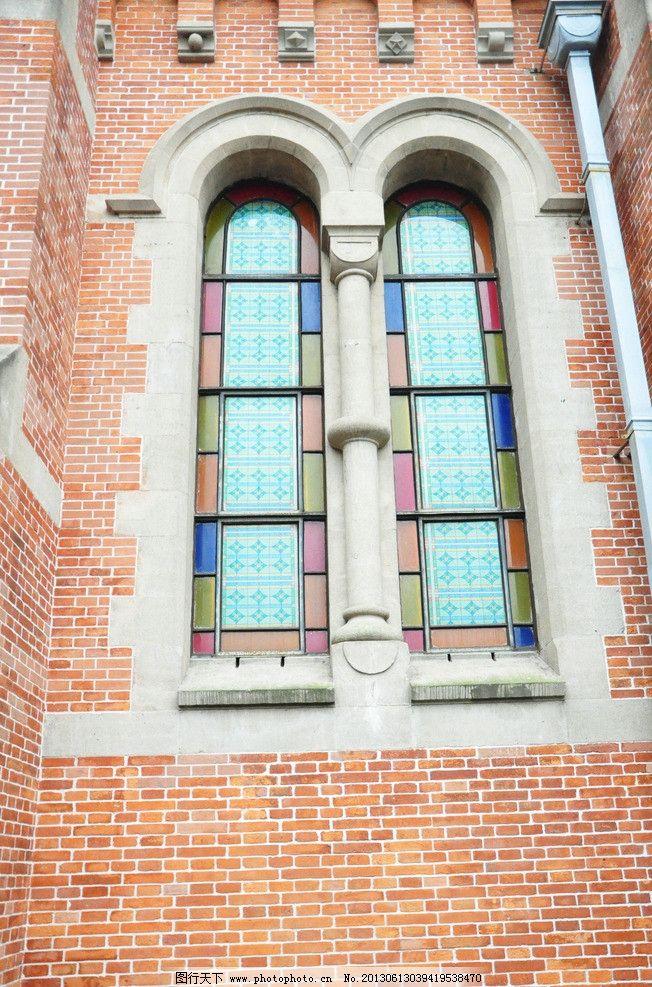 古典 建筑 黑石墙 红墙 教堂 十字架 欧式建筑 建筑摄影 建筑园林