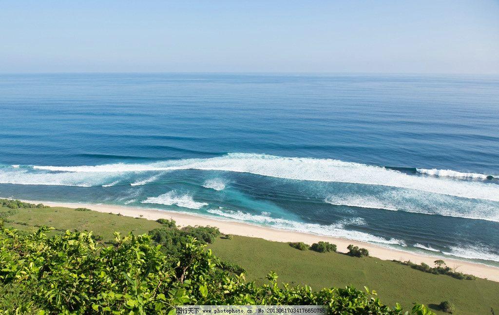 巴厘岛美景 海边 别墅 休闲 旅游 沙滩 绿叶 树木 蓝天 白云 风景