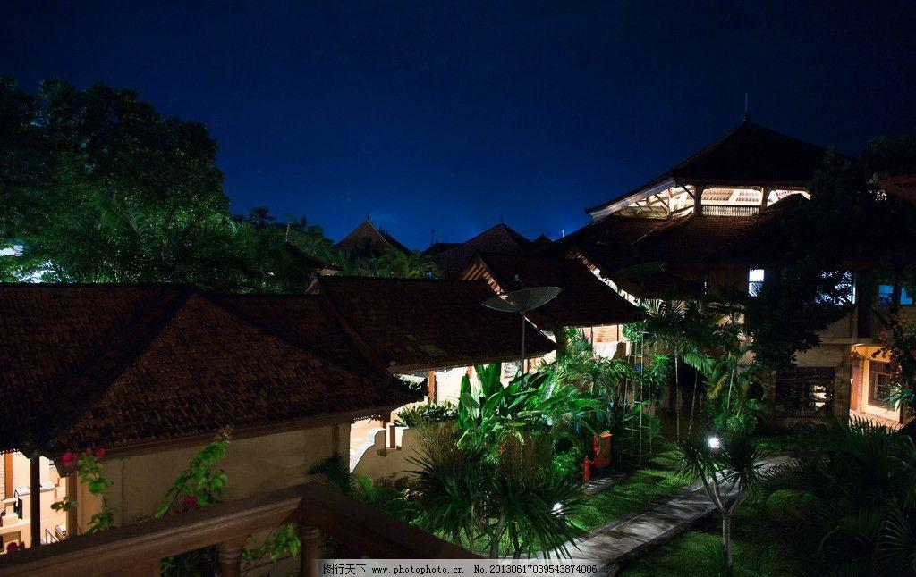 夜里 夜景 巴厘岛美景 海边 休闲 旅游 沙滩 绿叶 树木 蓝天 白云