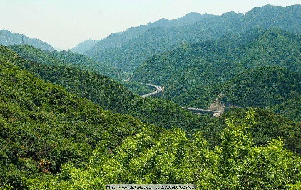山间公路 盘山公路 森林 绿树 群山 风景 摄影 300dpi 自然风景 自然