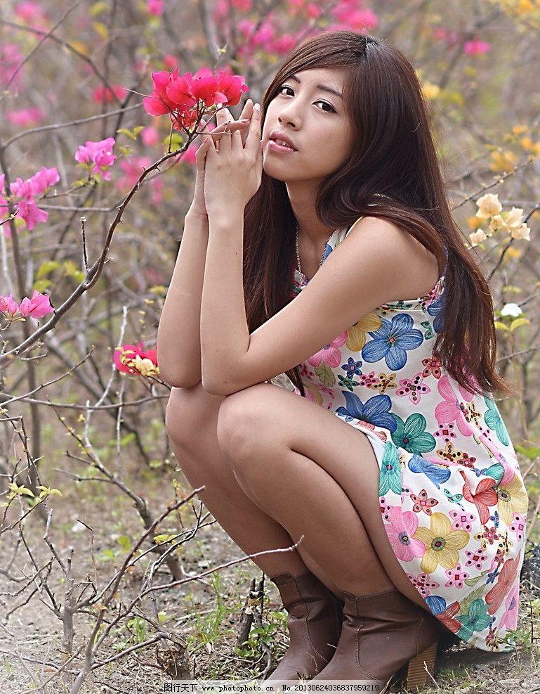 长发美女 气质美女 青春靓丽 可爱美女 清纯美女 碎花裙美女 高清美女
