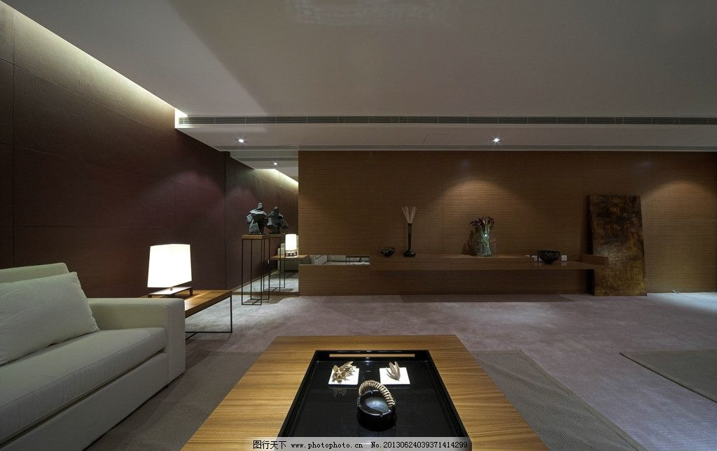 客厅走廊      走廊 地板 木质 阳光 窗户 玻璃 沙发 黑色茶几 室内